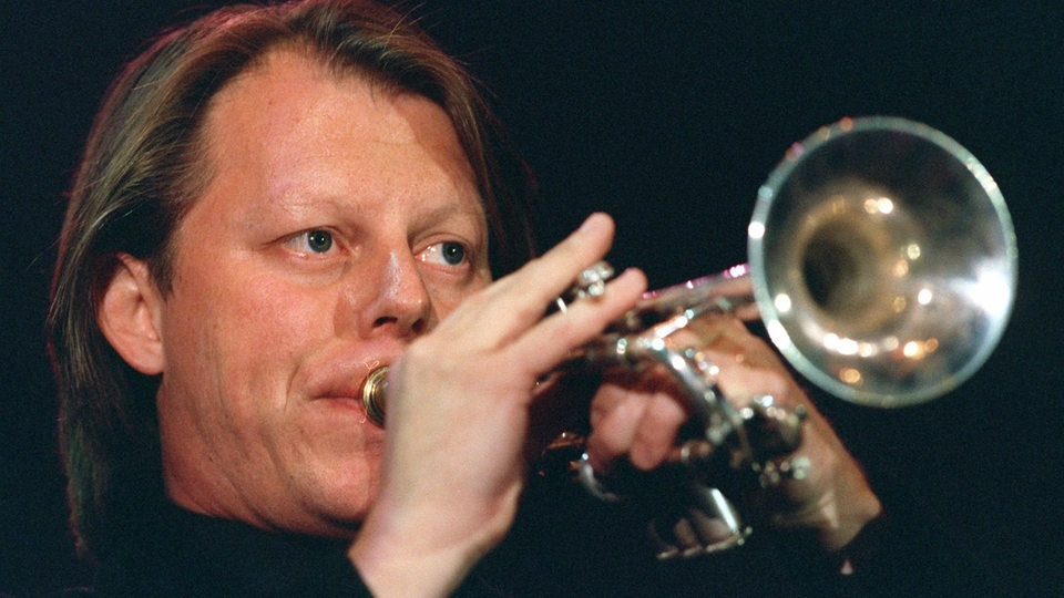 "Der norwegische Trompeter Ole Edvard Antonsen 1998 bei der ""Night of the Proms"" in der Festhalle von Frankfurt am Main"